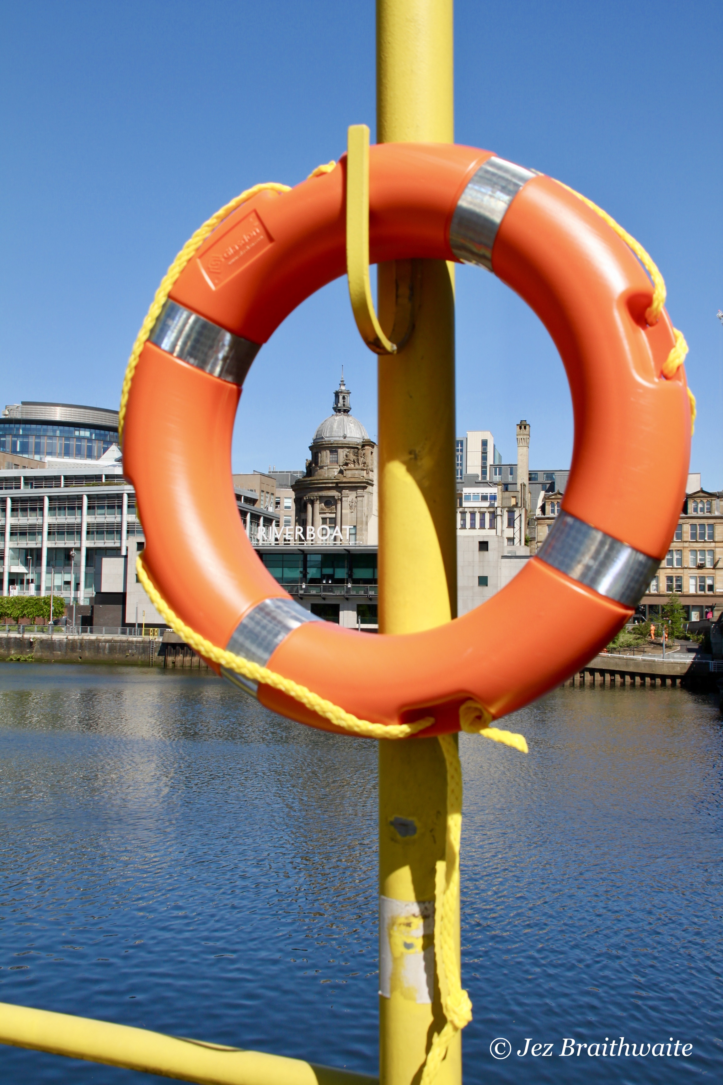 Riverboat on the River Clyde by Jez Braithwaite