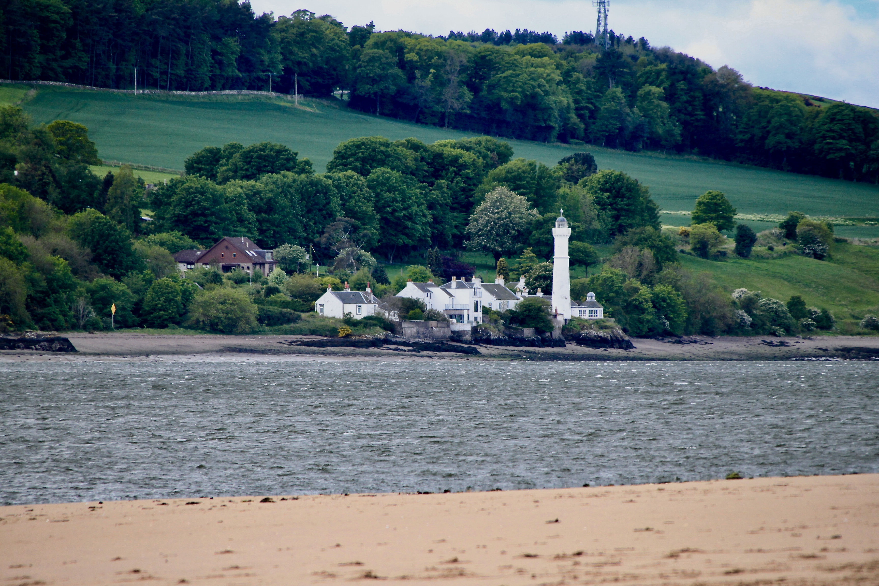 Tayport lighthouse by Jez Braithwaite