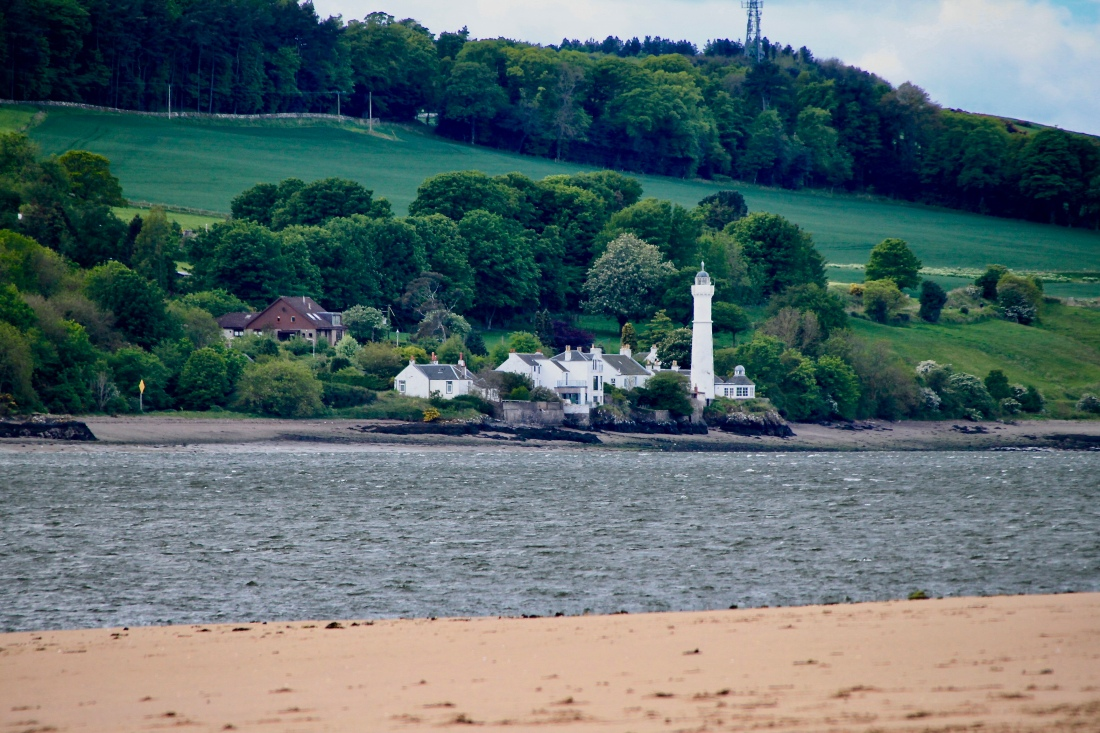 Tayport lighthouse by Jez Braithwaite