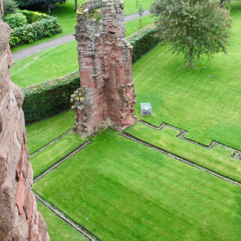 Arbroath Abbey Ruins by Jez Braithwaite