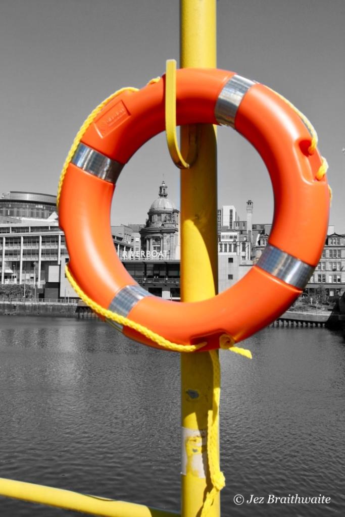 Life ring on the Clyde by Jez Braithwaite