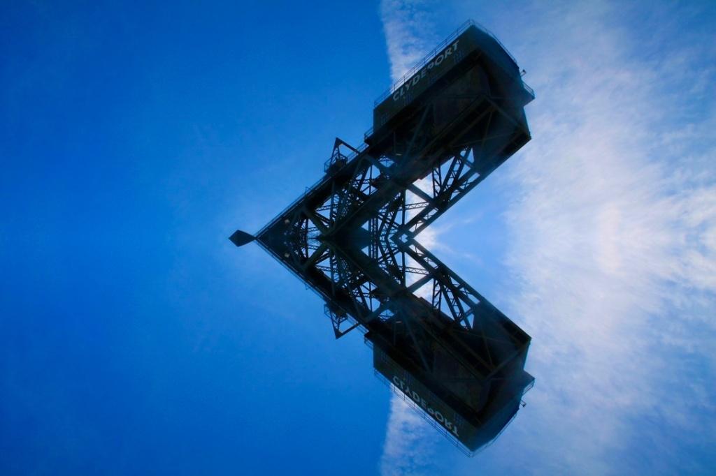 Finnieston Crane - Horizontal symmetry