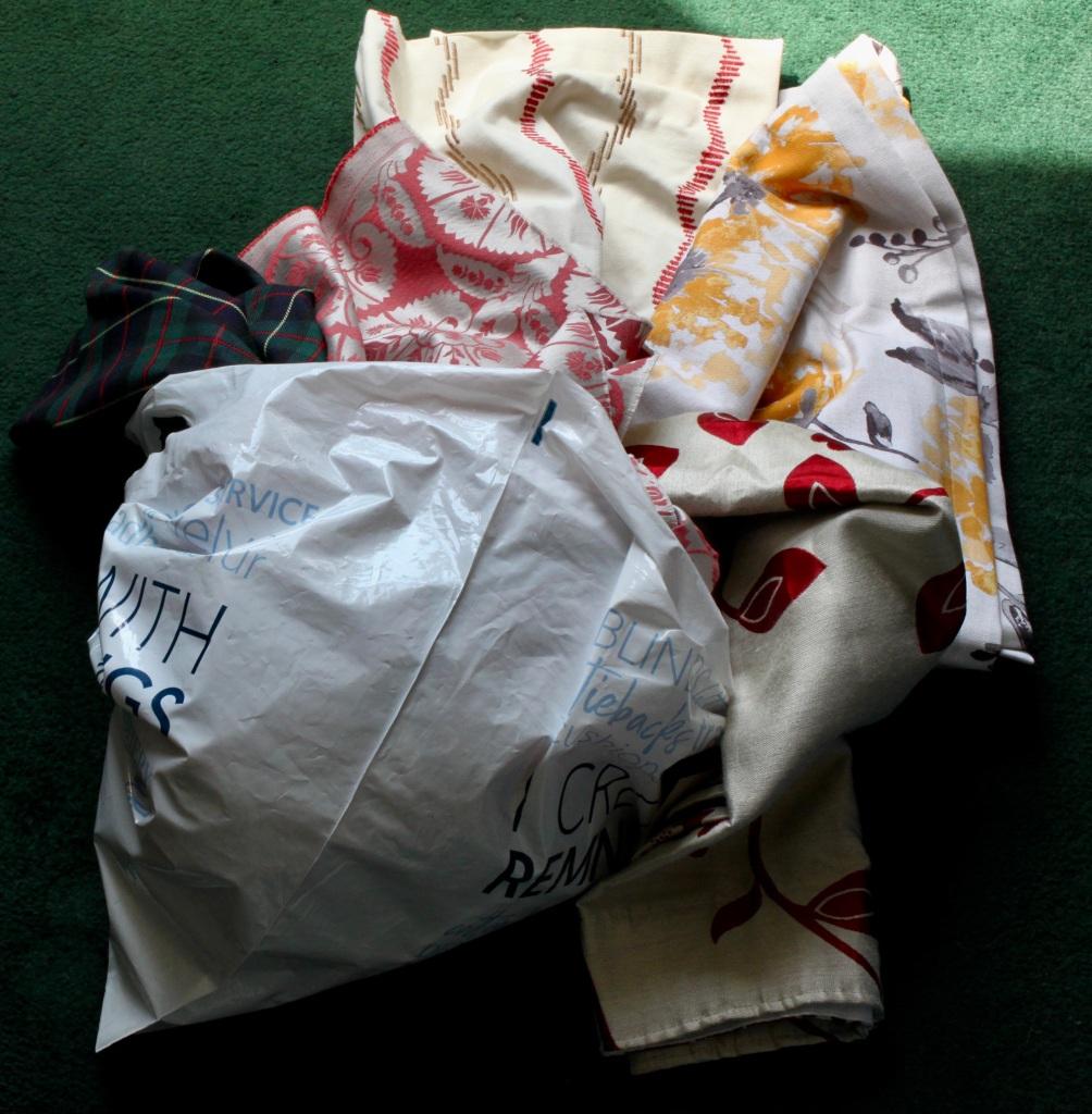 Mixed bag of cloth remnants